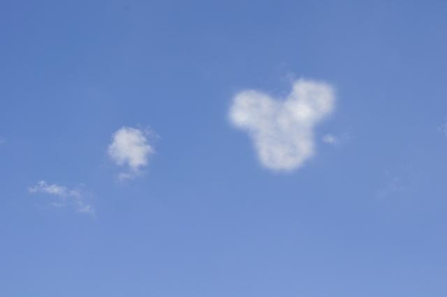 ミッキーマウス 雲